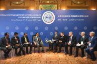 Председатель Верховного суда Индии Ранджан Гогои (в центре слева) и председатель Верховного Суда РФ Вячеслав Лебедев (четвертый справа) на совещании председателей верховных судов государств-членов ШОС (Шанхайской организации сотрудничества) в Сочи