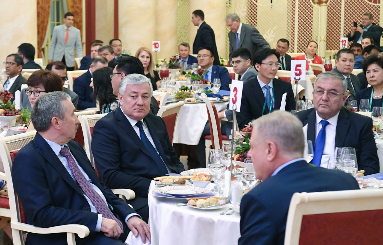 Chief Justice of the Supreme Court of Tajikistan Shermuhammad Shokhiyon (second left) and Chief Justice of the Supreme Court of Uzbekistan Kozimjan Kamilov (right) at the welcoming dinner on behalf of the Supreme Court of Russia held as part of the meeting of Supreme Court Chief Justices of the Shanghai Cooperation Organisation (SCO) in Sochi