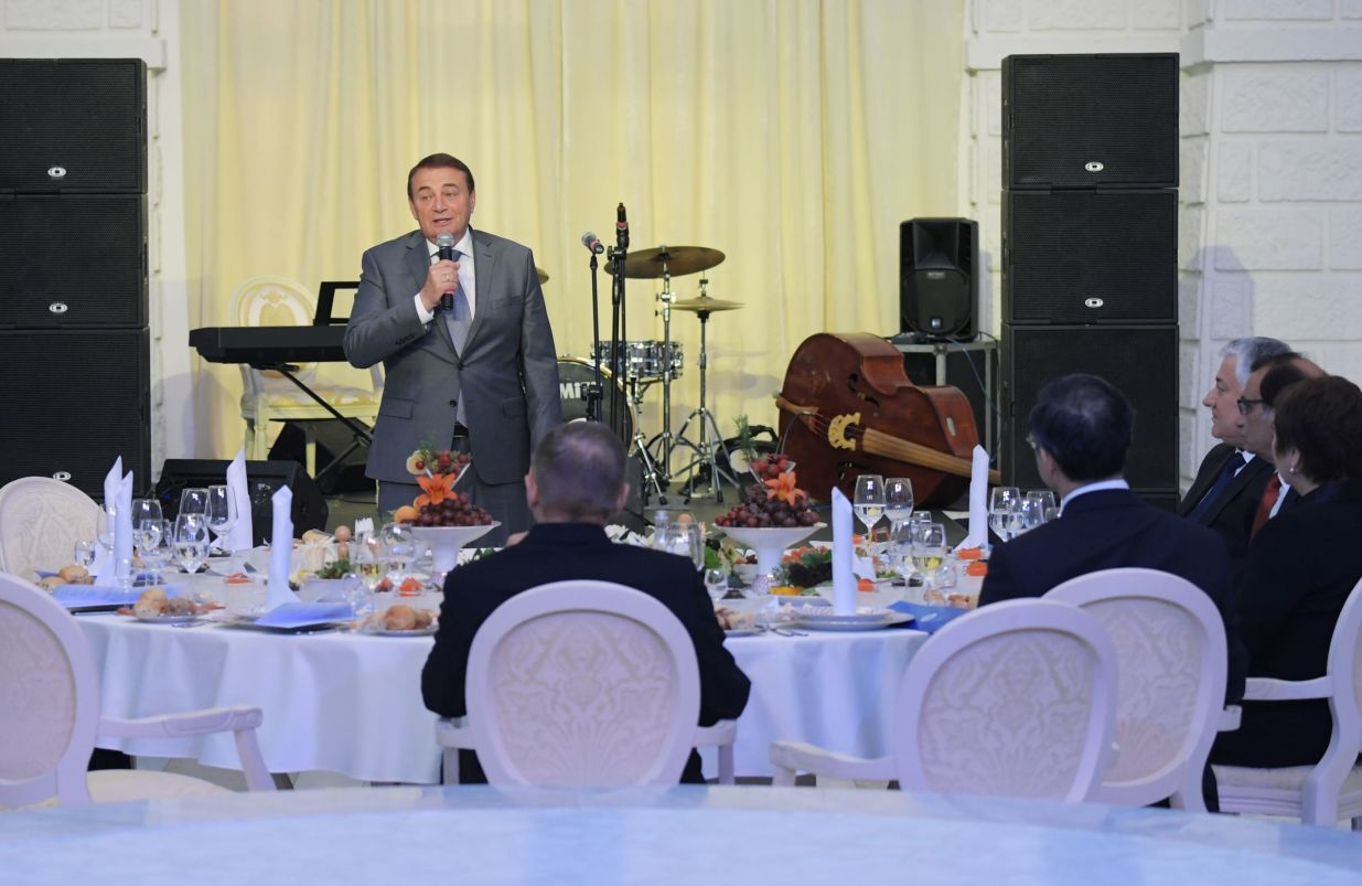 Sochi Mayor Anatoly Pakhomov speaking at a gala reception hosted by Chief Justice of the Supreme Court of Russia Vyacheslav Lebedev for the participants of the 14th Meeting of Supreme Court Chief Justices of the Shanghai Cooperation Organisation (SCO) Member States